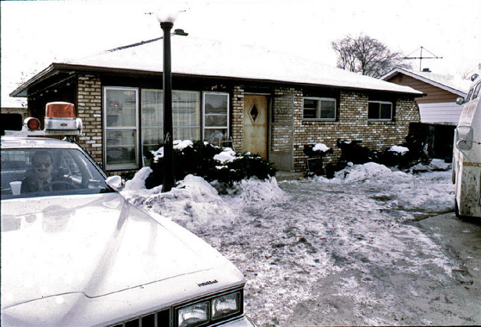 john wayne gacy house chicago exterior bodies